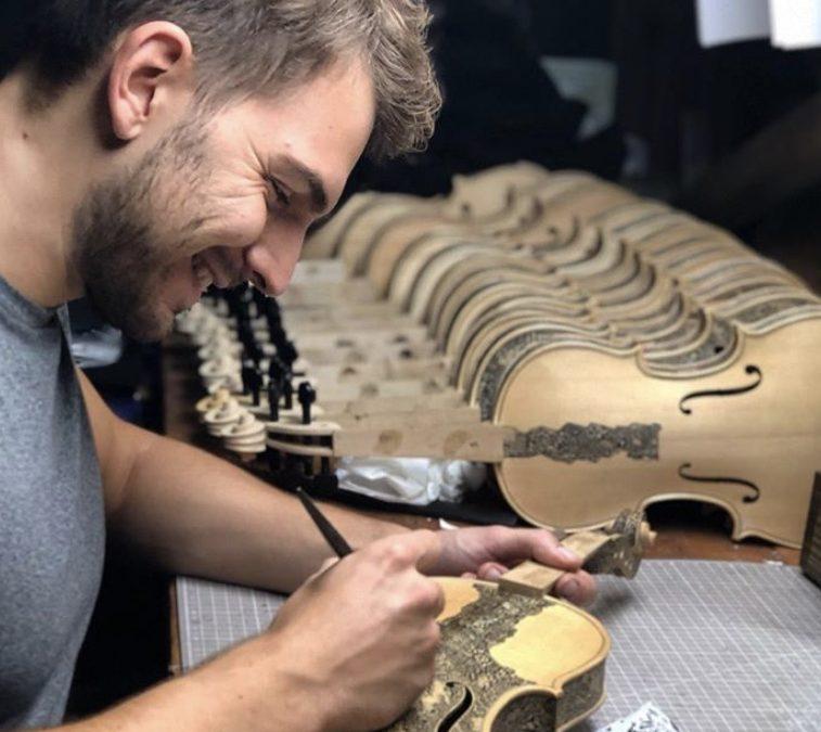 Leonardo Frigo: ses violons chantent l'Enfer